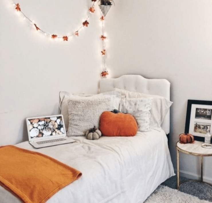 10 Halloween Decorations Perfect For A Dorm Room