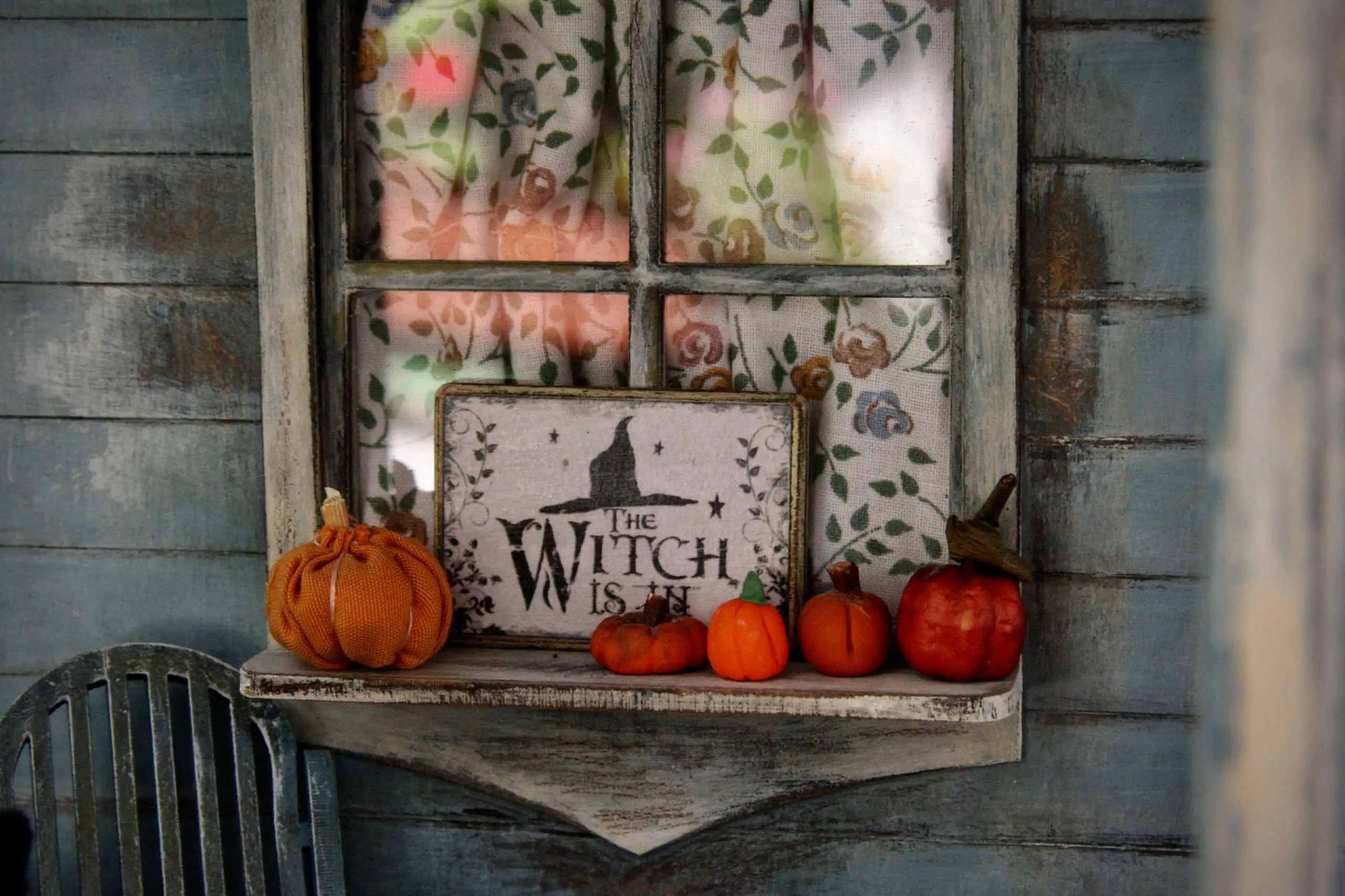 10 DIY Halloween Decorations You Can Put Around Your House