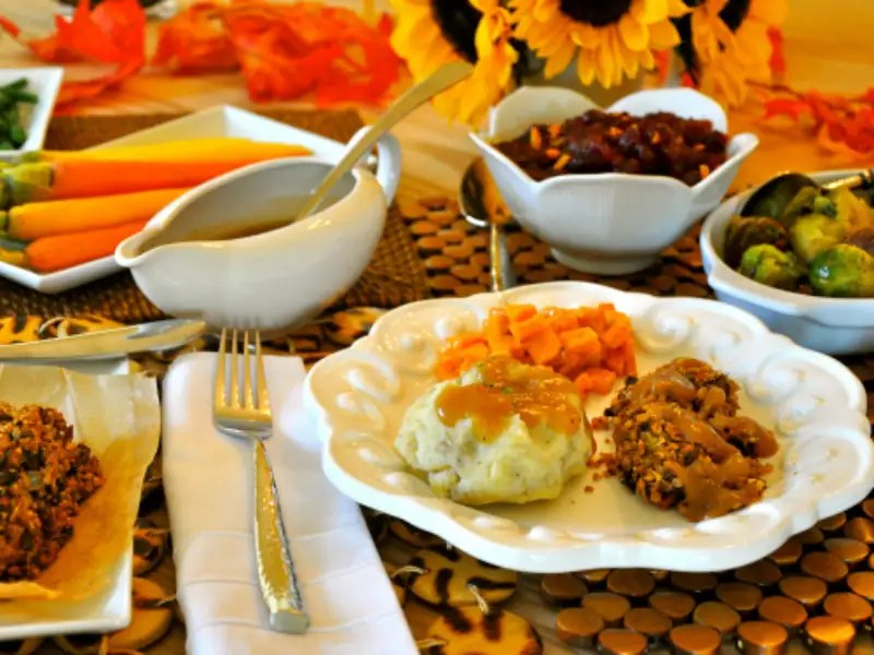 15 Vegan Recipes You Have To Try This Thanksgiving - Society19