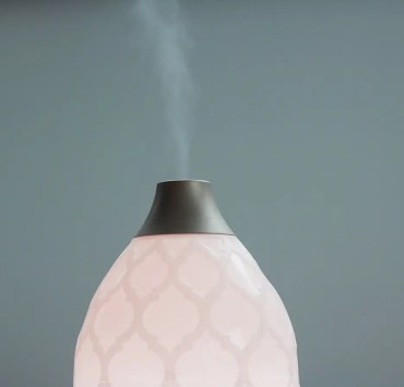 12 Essential Oil Blends You Need To Try Diffusing