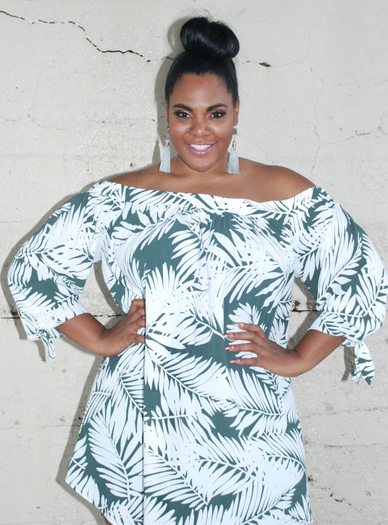 Palm print plus size summer style trend to try