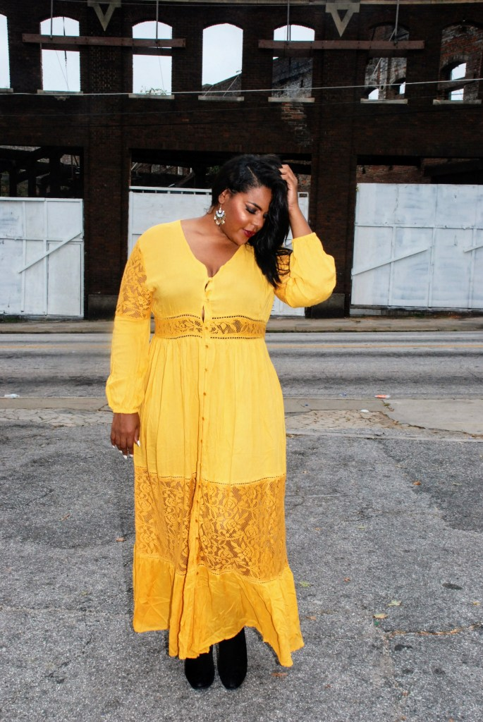 Fall Maxi Dresses, Fall plus size boo hoo maxi dress, marigold dress, marigold plus size dress, plus size maxi dress, maxi dresses for fall, society of harlow, crystal daniels