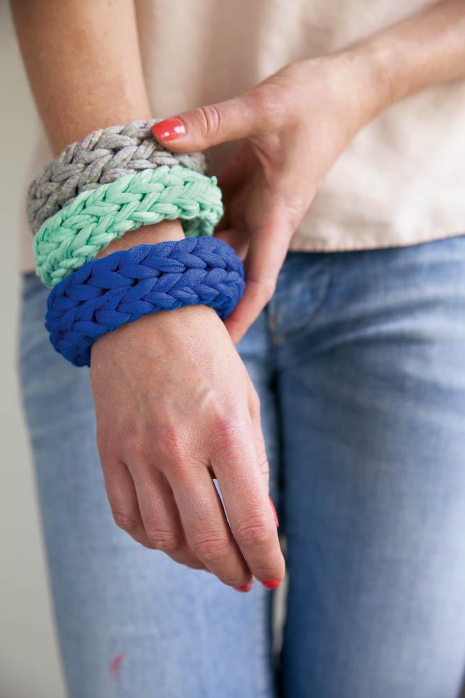 Hier noch weitere Produkte aus dem tollen Buch:  Anleitung – Beanie Mütze stricken von Nina Schweisgut