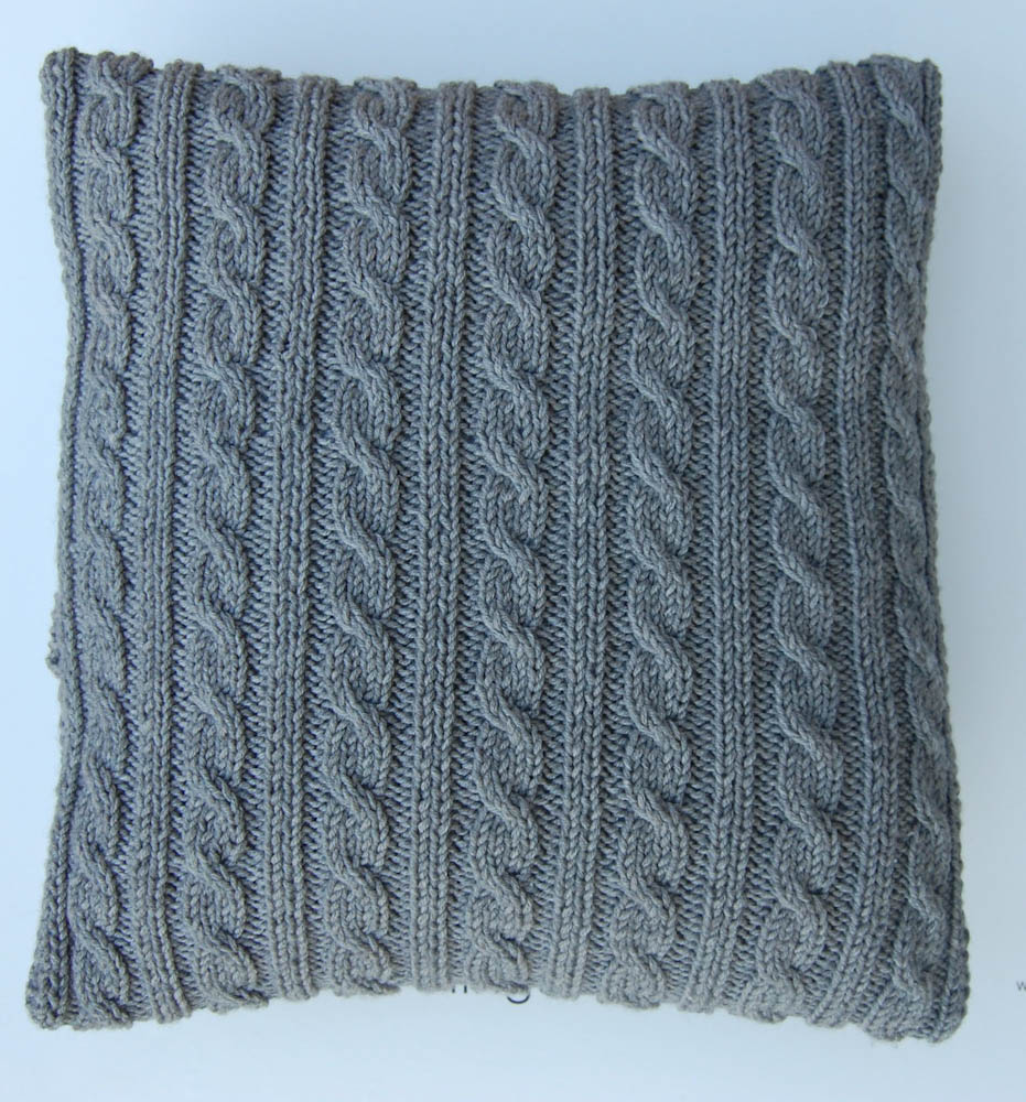 Kissen mit Zopfmuster stricken-8 kissen stricken mit zopfmuster Anleitung: Kissen stricken mit Zopfmuster