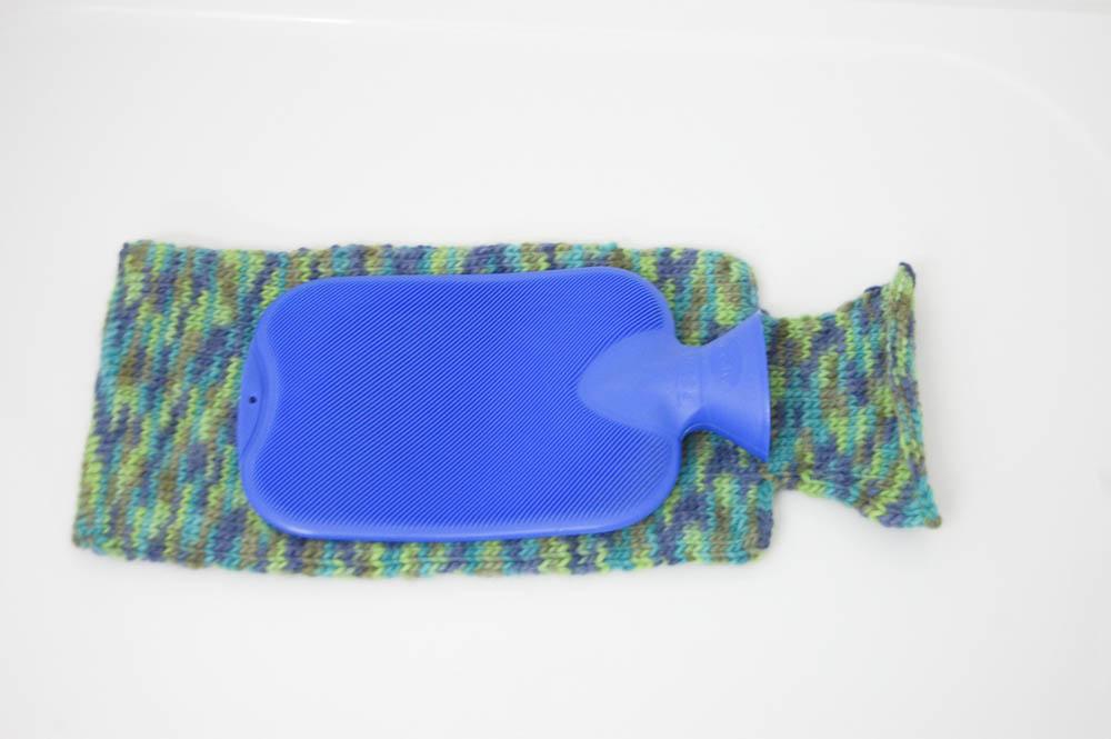 filzhülle Anleitung: Gestrickte Filzhülle für Wärmflasche