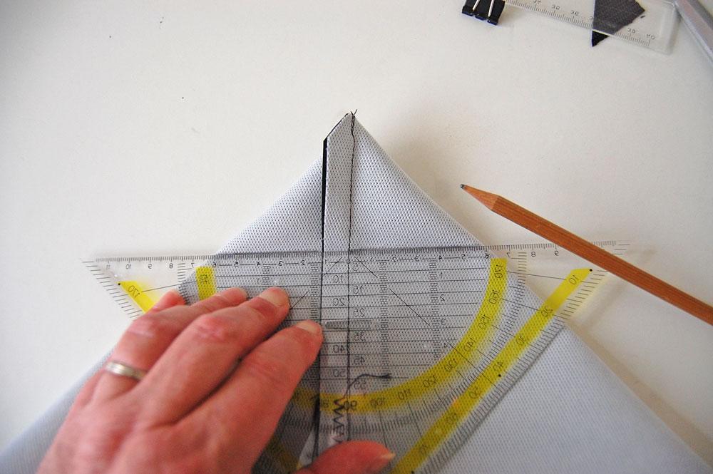 Rucksack nähen - Die Nahtlinie wird festgelegt  Anleitung: Schicken Rucksack nähen - Basismodell