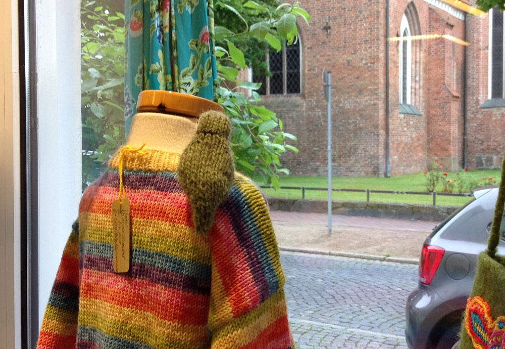 Wolle & Kunst - Schaufenster wolle & kunst Tanja Zielinski im Interview über  Wolle & Kunst  in Neustadt