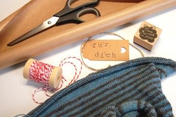 Geschenke stricken - Titelbild  13 wunderschöne Geschenke stricken – mit kostenlosen Anleitungen