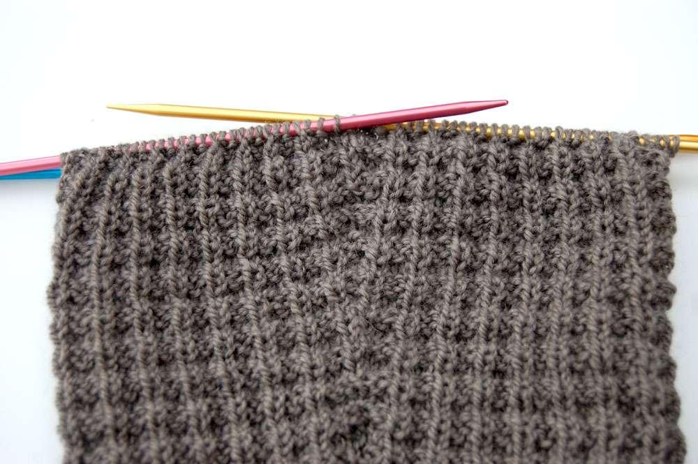 Pullover stricken - Zunahme Ärmel  Anleitung: Attraktiven Pullover stricken – in einem Stück