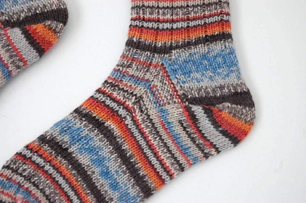 Toe Up Socken - Fuß  Anleitung: Toe Up Socken stricken aus 6fädigem Garn