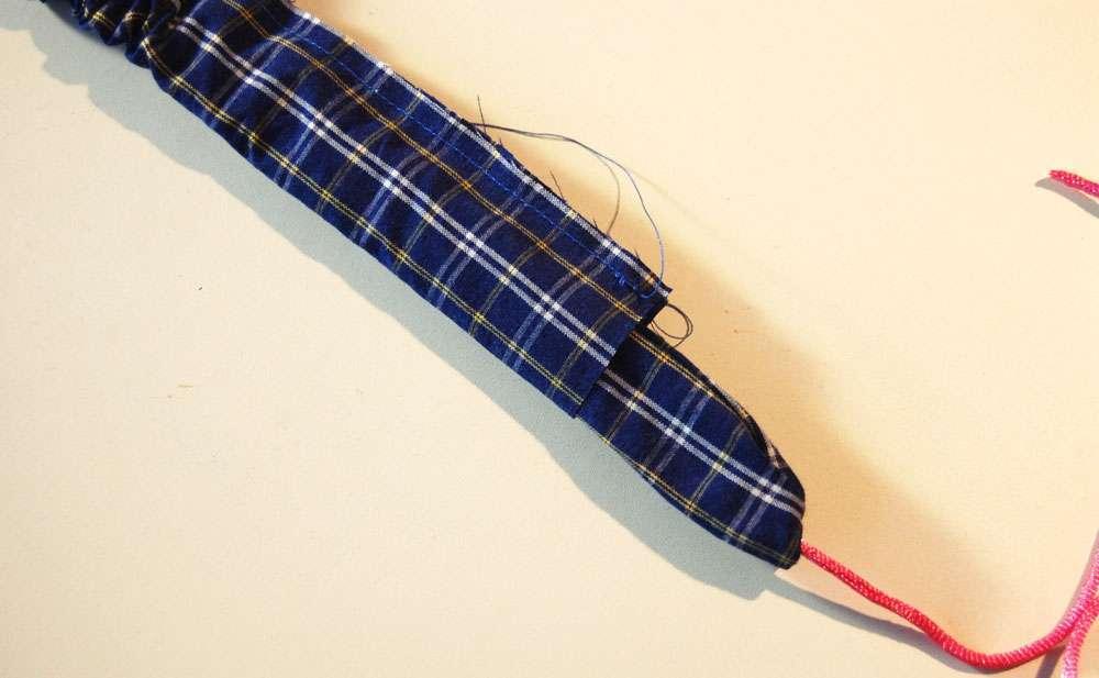 Stoffbeutel nähen aus Oberhemd - Träger wenden stoffbeutel nähen Nähanleitung: Stoffbeutel nähen aus einem Oberhemd
