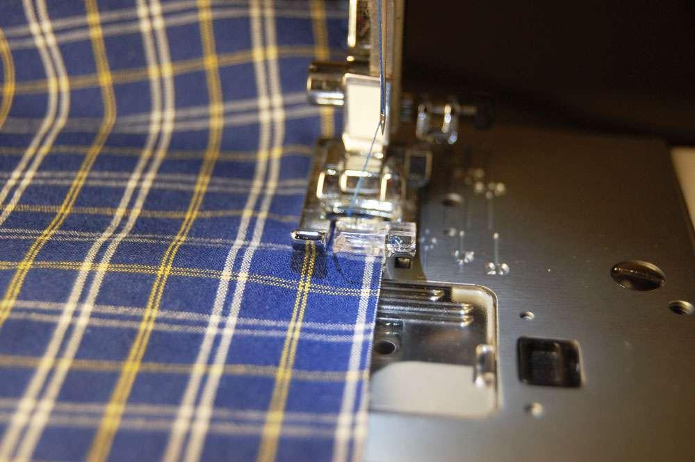 Stoffbeutel nähen aus Oberhemd - Nähte versäubern stoffbeutel nähen Nähanleitung: Stoffbeutel nähen aus einem Oberhemd