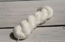 Verlosung Silky Lace von Silke M. Trousil Silky Lace Verlosung: 1 Strang Silky Lace + Wunschfärbung von Silke M. Trousil