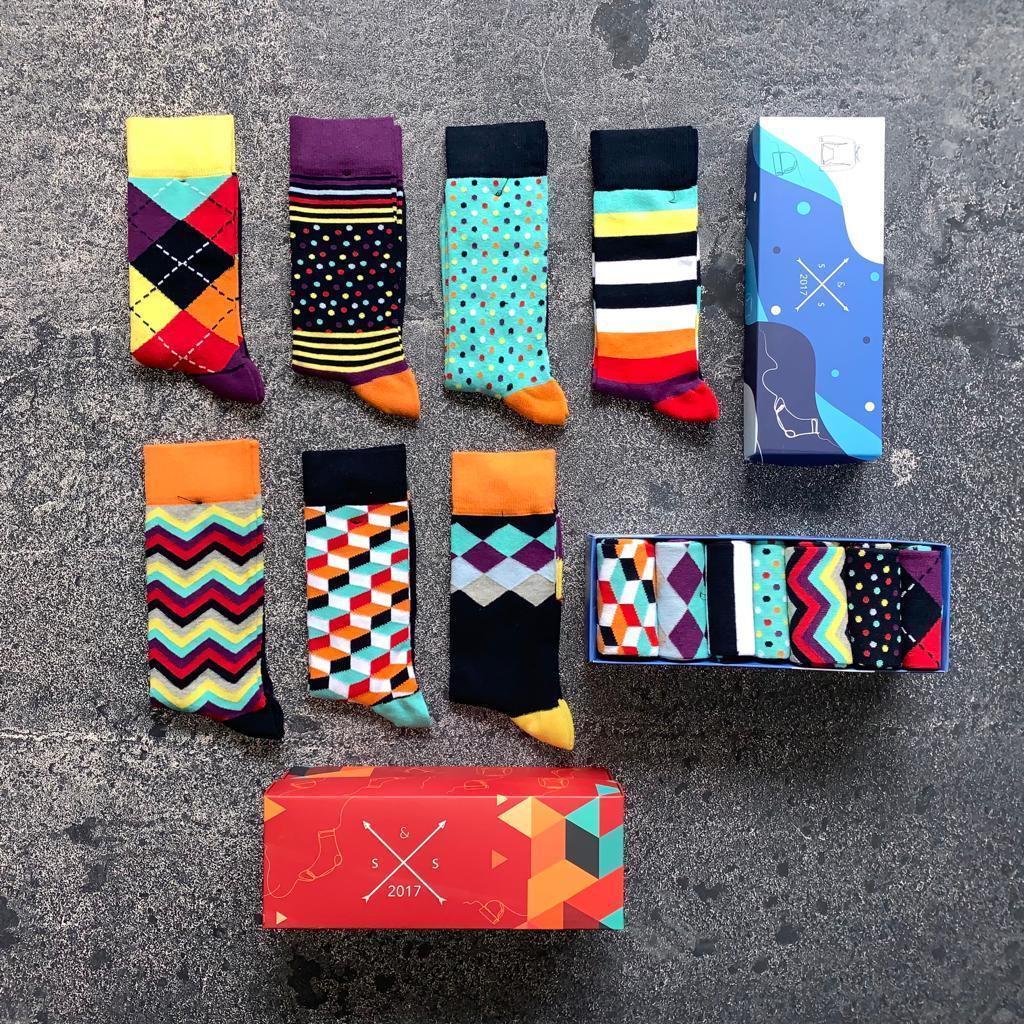 7li-Renkli-Erkek-Çorap-Kutusu Renkli ve desenli erkek çorap modelleriyle hayatını renklendir!