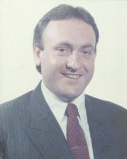 Maurício de Oliveira SantosDe 1989 a 1992
