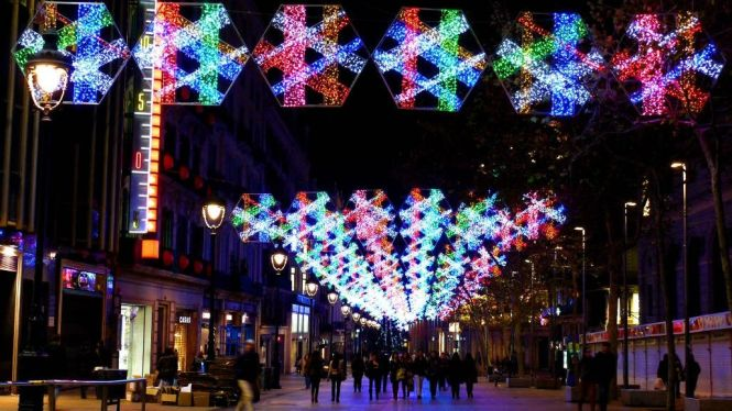 barcelona - TOP 10 BEST CHRISTMAS TOWNS AND CITIES TO VISIT BEFORE AND AT XMAS TIME