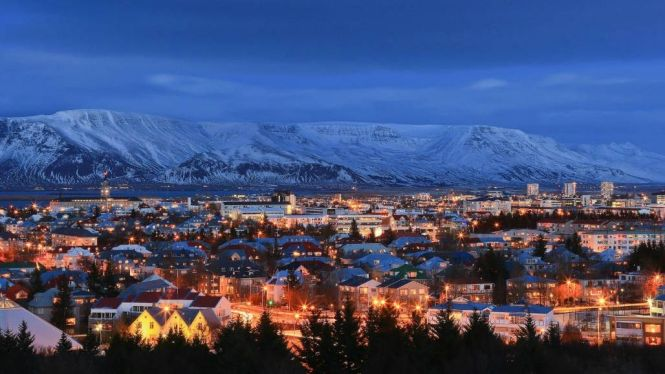 reykjavik - TOP 10 BEST CHRISTMAS TOWNS AND CITIES TO VISIT BEFORE AND AT XMAS TIME