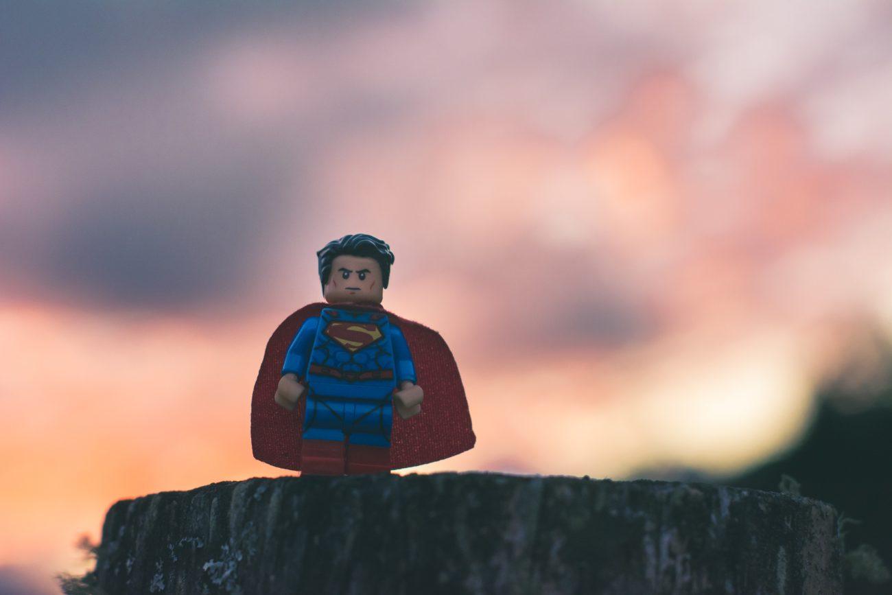 Die Superhelden von heute sind Studierende die ihren Mitmenschen durch die Krise helfen.