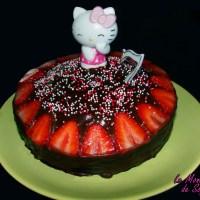 Gâteau d'anniversaire de Petit Piou : Le Devil's Food Cake au chocolat et aux fraises, bonbons glacés au chocolat