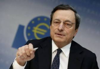 O Ντράγκι ρίχνει τον πήχυ για ένταξη της Ελλάδας στο QE