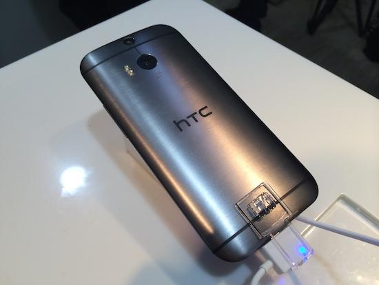 HTC One(M8) 亞洲首賣,4/30 前購買送 Dot View 炫彩顯示保護殼 2014-03-28-14.01.44