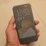 HTC Dot View 炫彩保護殼可以用自定照片囉!