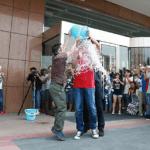 冰桶挑戰賽「凍」到小米創辦人雷軍,點名劉德華、郭董、李彥宏