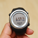 EPSON 專業級路跑教練運動錶 RUNSENSE SF-710 可連續使用 30 小時