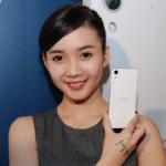 HTC 推出平價 4G 手機 Desire 626,5990 元雙色就是要給你情侶機