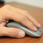 Microsoft Arc Touch 無線藍牙滑鼠評測,可彎超薄設計攜帶更方便