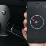 特價快買!ZUS智慧汽車定位器結合USB車充,找車、沒電沒煩惱