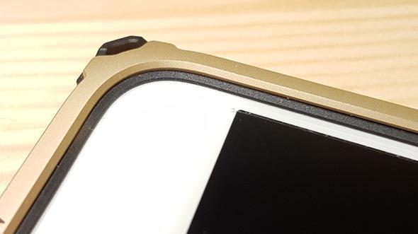 不用再怕iPhone摔歪了!Miottimo 星寰金屬邊框軟硬兼施,吸震、強化保護你的手機 20160331_172602