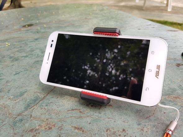行動迷你腳架 ASUS ZenTripod 開箱 + ZenFone Zoom 新款炫酷橘背蓋分享 20160420_134132