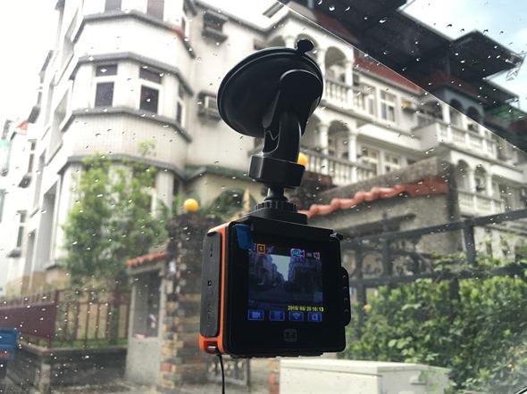 評測大通魔法導演行動攝影機,獨創3合1變速攝影 精采畫面一鏡到底不遺漏 IMG_2878