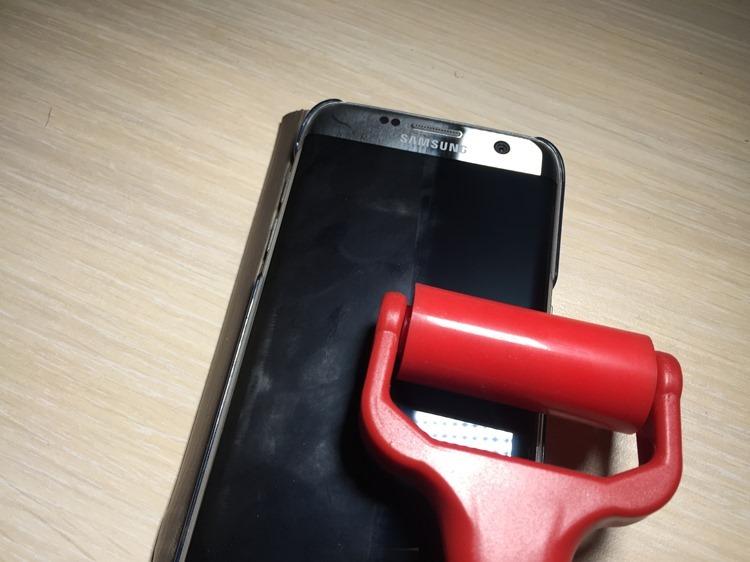 [清潔小物] 螢幕滿滿指紋灰塵?易潔輪滾一滾乾淨溜溜! %E6%98%93%E6%BD%94%E8%BC%AA1