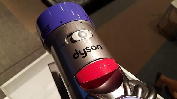更輕鬆、更安靜、吸力更強,Dyson 發表新一代手持無線吸塵器 V8 Fluffy 20160621_154451
