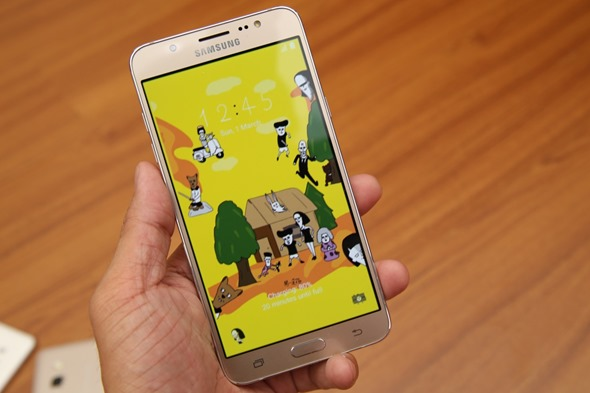 Samsung Galaxy J5/J7(2016)再升級,金屬邊框、超大光圈、S Bike行車安全模式,超值登場 image026