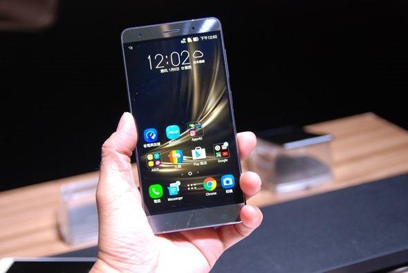 華碩正式發表 ZenFone 3 系列旗艦手機,售價 7,990 起! DSC_0008