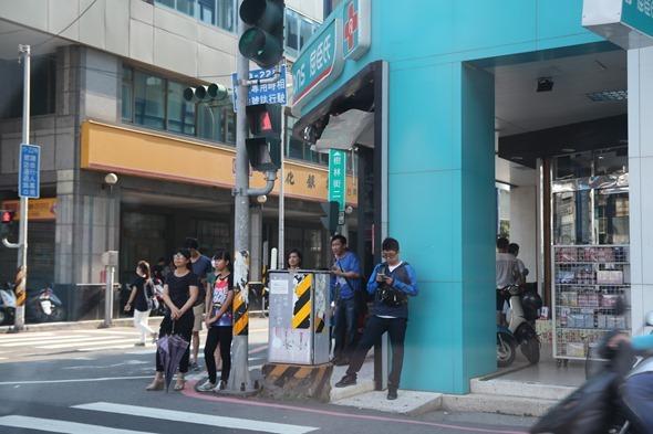 鏡頭直擊/捕捉台南各處 Pokemon GO 「街頭訓練師」 IMG_3801