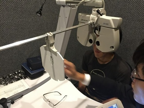開箱/網友瘋搶 XLTt 濾藍光時尚機能墨鏡(Xuan款),輕盈百搭、室內外適用 MOSCOT64