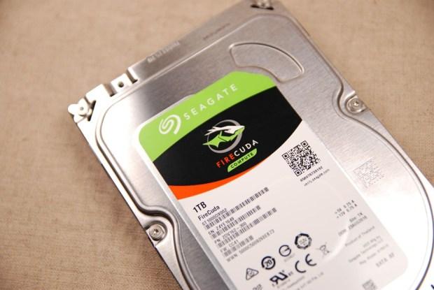 又俗又大碗!Seagate FireCuda 希捷火梭魚平民版固態混合硬碟,讓開機速度有感提升 (含實測) DSC_0202-1
