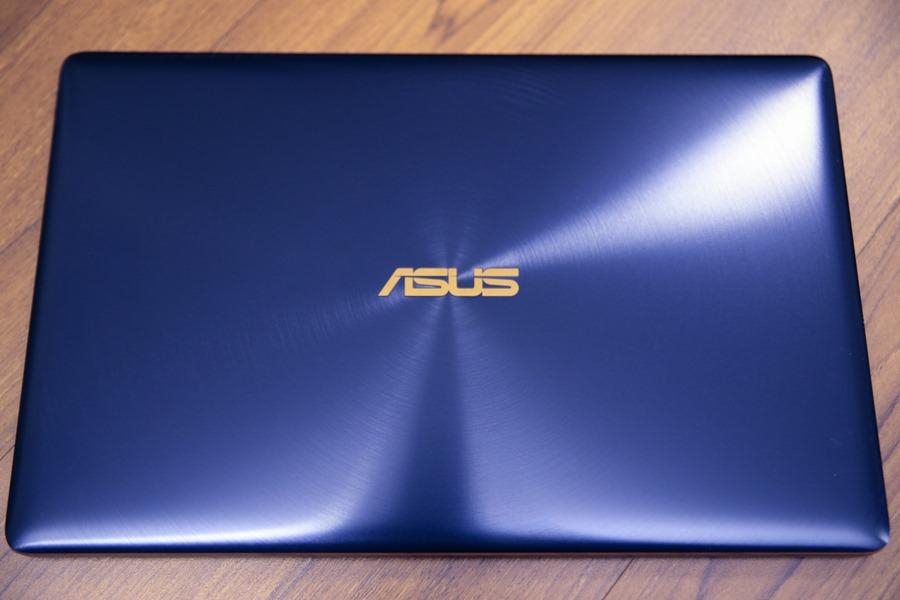 極度輕薄!ASUS ZenBook 3 UX390UA(皇家藍)開箱評測 IMG_5698