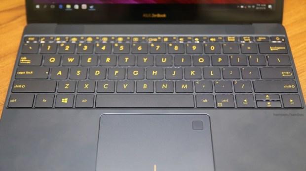 極度輕薄!ASUS ZenBook 3 UX390UA(皇家藍)開箱評測 IMG_5711