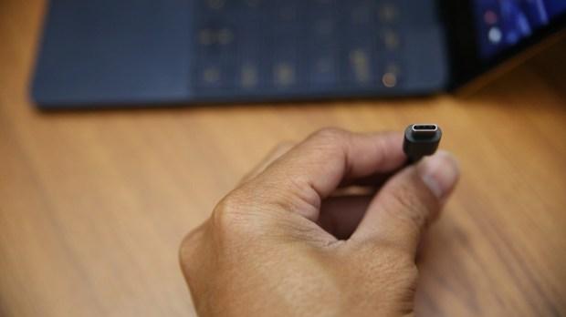 極度輕薄!ASUS ZenBook 3 UX390UA(皇家藍)開箱評測 IMG_5757