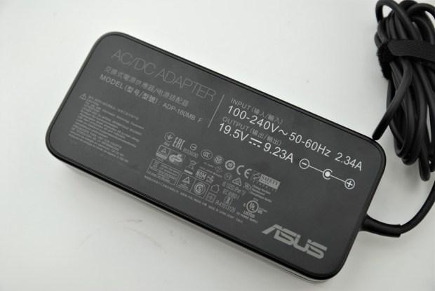 滿滿的效能帶在身上! ASUS ROG STRIX GL502VM 電競筆電輕鬆玩 VR,給你滿滿的大效能! DSC_0053