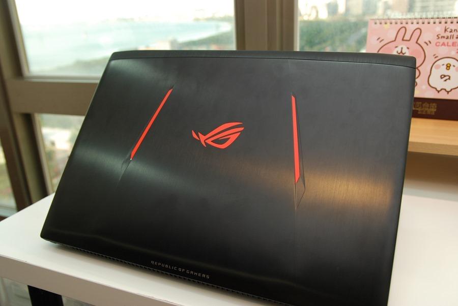 滿滿的效能帶在身上! ASUS ROG STRIX GL502VM 電競筆電輕鬆玩 VR,給你滿滿的大效能! DSC_0057