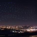 元宵節別管什麼天燈了!Intel 用電腦遙控 500 台空拍機點耀夜空