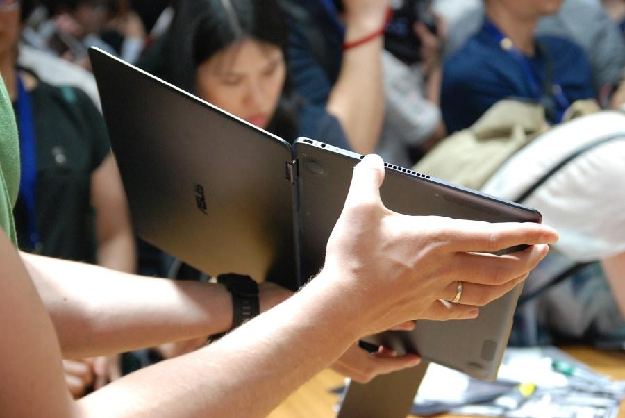 華碩 2017 新品筆電、手機大量公開!高效輕薄超亮眼 DSC_0135-900x602