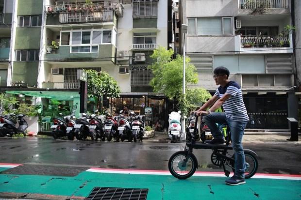 越騎越賺錢的自行車!米騎生活體驗門市+騎記電助力摺疊自行車國際版試乘分享 IMG_6817