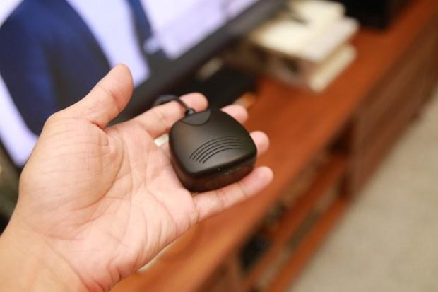 用 i-Ctrl 艾控、BWAVERC藍波控讓手機變為無線遙控,遙控器 Bye bye IMG_7041